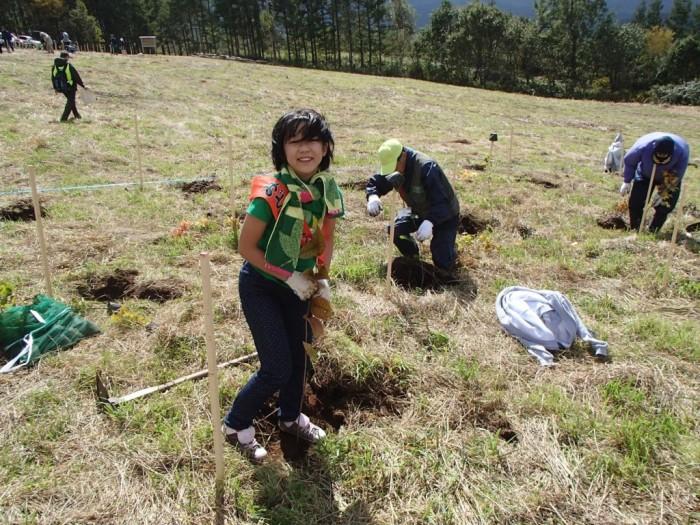 平成25年度 環境リレーションズ研究所 植樹