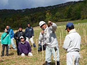 平成25年度 環境リレーションズ研究所 植樹 舘野植